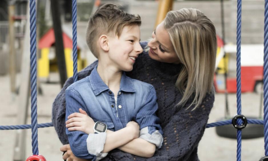 BARNS TEKNOLOGIBRUK: Kathrine Sørland prøver å gå frem som et godt forbilde for sønnen Leon, og de finner på mange aktiviteter sammen - som ikke inneholder digitale verktøy. FOTO: Privat
