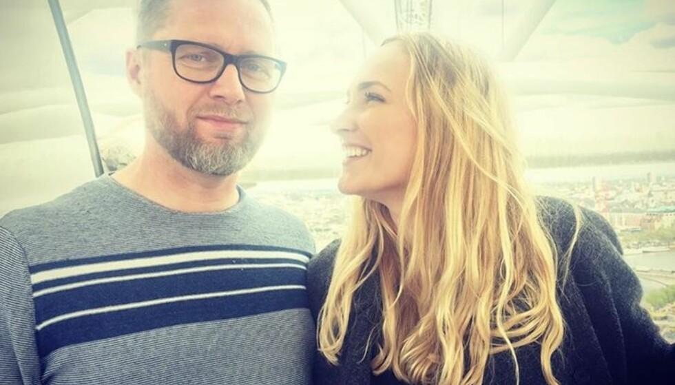 FORELSKET: Line Hoffmeyer Lauridsen er kjæreste med den danske komikeren Lasse Rimmer. Neste år gifter de to seg. Bildet er lånt fra bloggen Linedansen.dk. FOTO: Privat