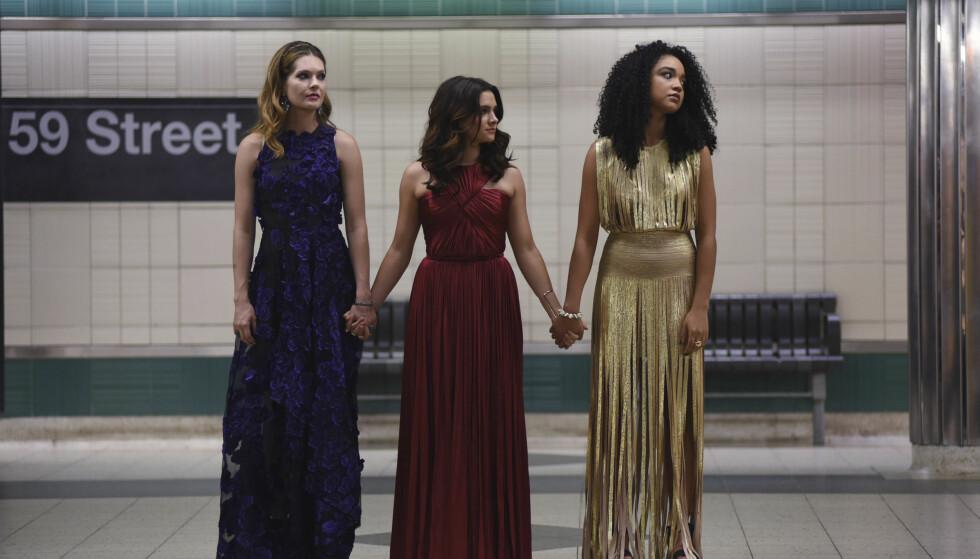 THE BOLD TYPE: Jenteserien «The Bold Type» handler om livet til tre unge jenter midt i kjernen av New York. FOTO: NRK