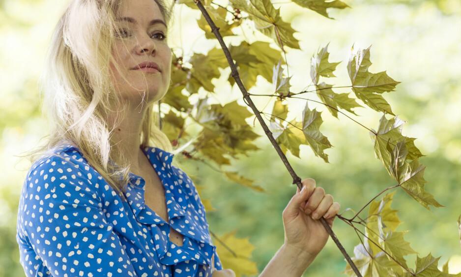 Å MISTE FORELDRENE SINE: På fem år mistet Astrid Bjørkeng (43) begge foreldrene og ble mamma til to. FOTO: Astrid Waller