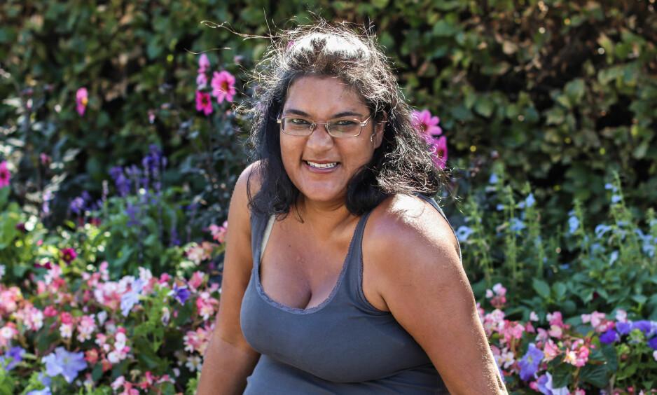 <strong>MS, MULTIPPEL SKLEROSE:</strong> Liv Kiøsterud (41) har hatt MS siden hun var 23 år gammel. Allikevel anser hun seg selv som heldig, på mange måter. FOTO: Ida Bergersen
