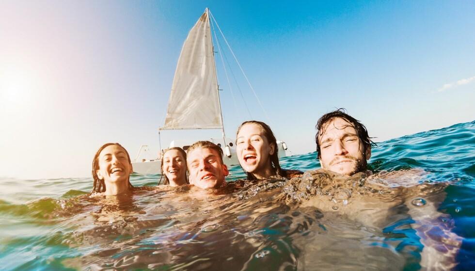LITEN RISIKO: Det er liten risiko for å bli syk av bading i Norge. Foto: Scanpix.