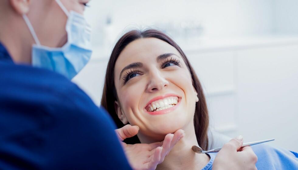 DIAGNOSE: For å unngå at du sliter ned tennene dine er det lurt å gå til tannlegen for å få behandling. Foto: Scanpix.