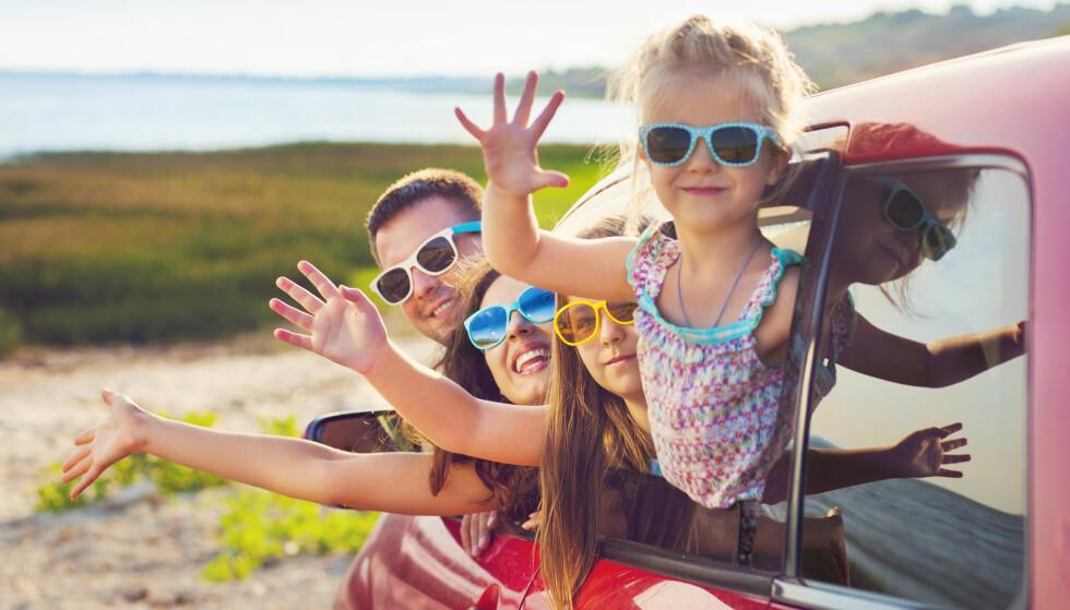 MED BARNA: Ferie med barna kan være livlig og gøy, men også litt slitsomt. FOTO: NTB Scanpix