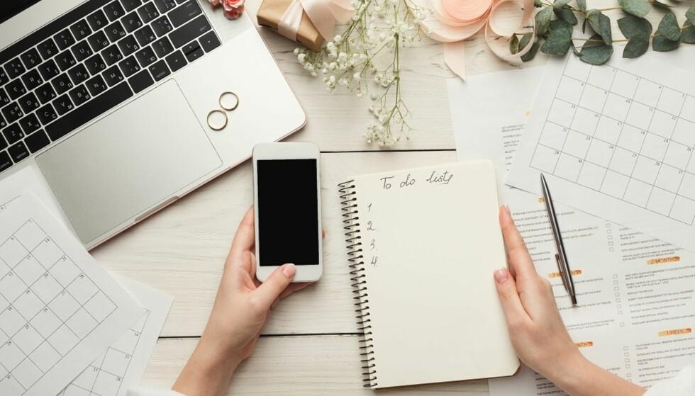 PLANLEGGING: Det er svært mye å planlegge før et bryllup. FOTO: Shutterstock