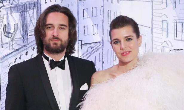 PÅ ROSEBALLET: I mars tok Charlotte Casiraghi med seg kjæresten Dimitri Rassam på Roseballet i Monaco. FOTO: NTB Scanpix