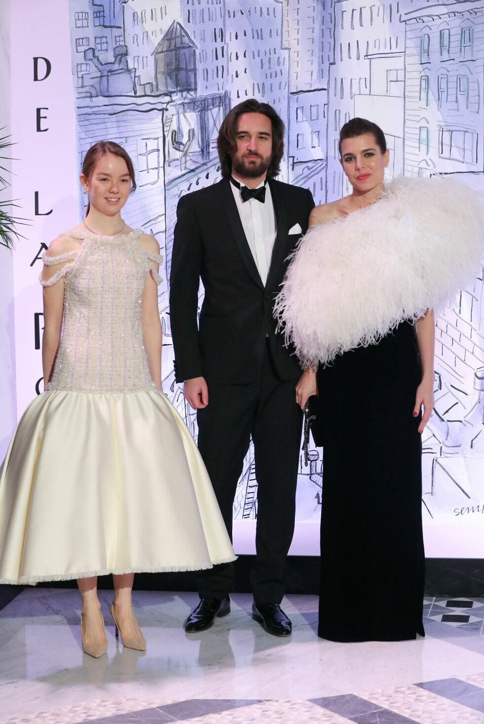 PÅ ROSEBALL: Dimitri Rassam var invitert til det tradisjonsrike Roseballet i Monaco i slutten av mars. Her med Charlottes halvsøster prinsesse Alexandra av Hanover. FOTO: NTB Scanpix