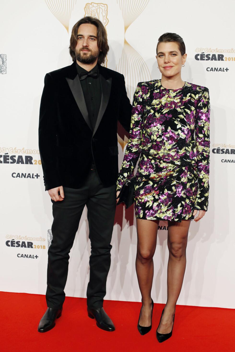 I FILMBRANSJEN: Dimitri og Charlotte poserte sammen på rød løper under Cesar Film Awards i Paris i begynnelsen av mars. FOTO: NTB Scanpix