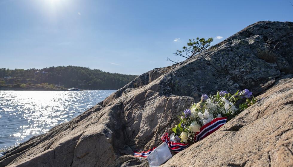 ULYKKESSTEDET: En blomsterhilsen ble lagt ned på øya St. Helena utenfor Arendal der den tidligere skiløperen Vibeke Skofterud døde i en vannscooterulykke søndag 29. juli 2018. FOTO: Tor Erik Schrøder / NTB scanpix