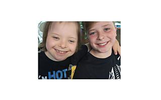 Da foreldrene fikk vite at en av tvillingene hadde Downs, trengte de bare fem minutter på å bestemme seg