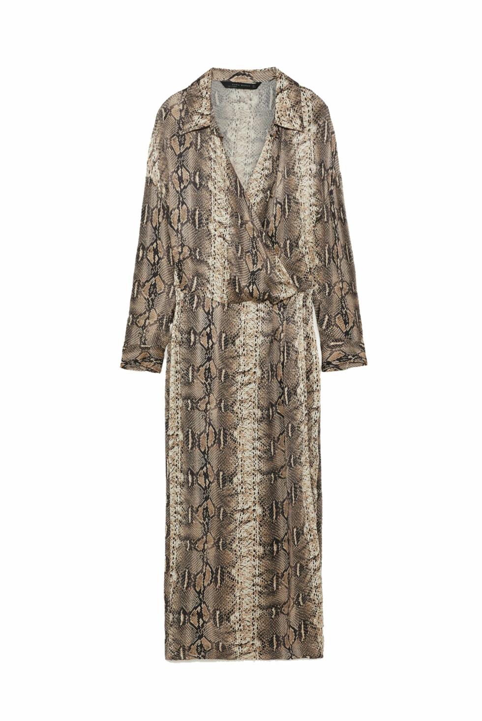 Kjole fra Zara  799,- https://www.zara.com/no/no/skjortekjole-med-slangeskinnsm%C3%B8nster-p07932659.html?v1=7404614&v2=1074635