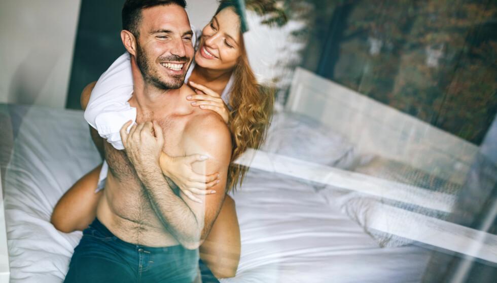 POSITIVE TILBAKEMELDINGER: - Fortell gjerne partneren din at du er tilfreds med sexlivet deres. Verbal tilbakemelding er tipp-topp, eller du kan kommunisere med lyder at du setter pris på at partneren din har lyttet til deg, sier eksperten. FOTO: NTB Scanpix