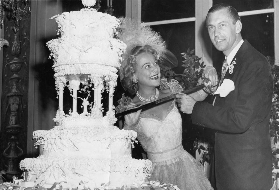 BRYLLUP: Sonja Henie og ektemann nummer to - Winthrop Gardiner jr. - giftet seg i New York i 1949. Skilsmissen var et faktum i 1956. FOTO: NTB Scanpix