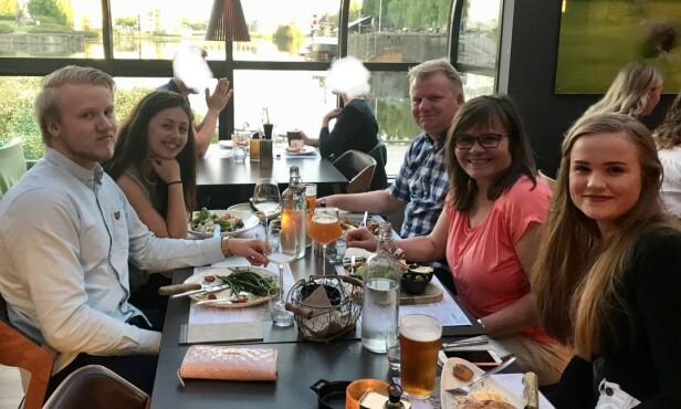 GODE ERFARINGER: Familien Særlie har gode erfaringer med utveksling - både ved selv å være vertsfamilie, og erfaringene Vilde har tatt med seg fra sitt opphold i Texas. FOTO: Privat