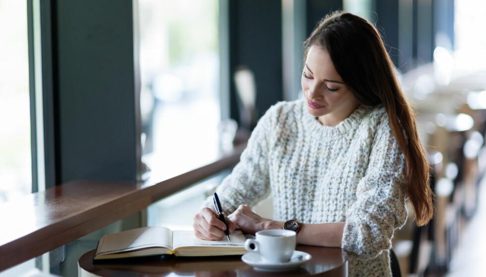 BULLET JOUNAL: Bullet Journal er en notisbok der du lager en liste med alt det som er viktig for deg. En slags kalender, post-it, to do-liste, skissebok og dagbok i ett som gir deg overblikk over alt som skjer i livet ditt. FOTO: NTB Scanpix