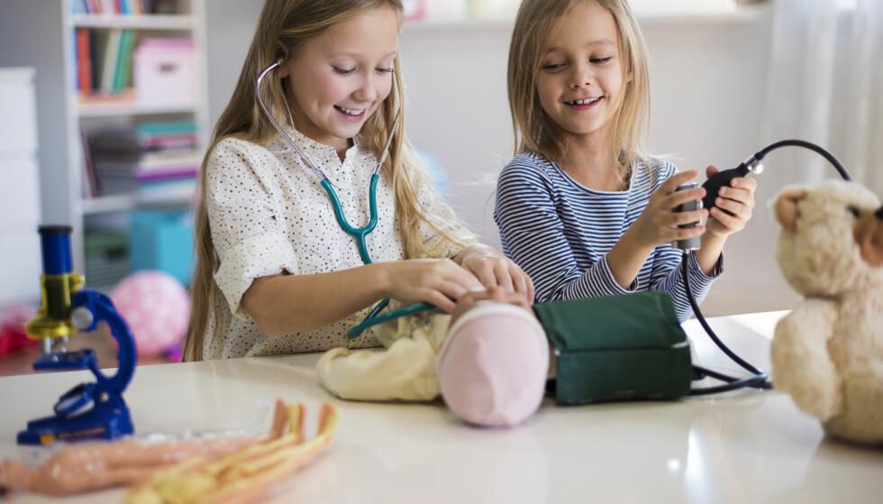 BARN KROPP: – Mange barn i dag får alt for lite privatliv. Jeg mener at dagens foreldregenerasjon er kjempeflinke, men de glemmer at barn også kan trenge å være alene en liten stund. FOTO: NTB Scanpix