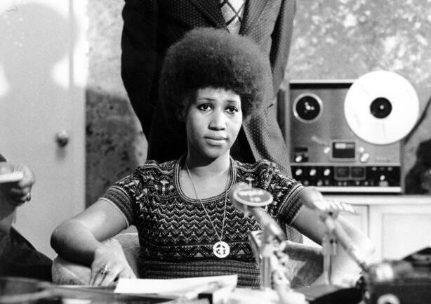 1973: Aretha Franklin i en pressekonferanse. Nå er det kjent at det blir Jennifer Hudson som skal spille unge Aretha Franklin. Foto. Scanpix