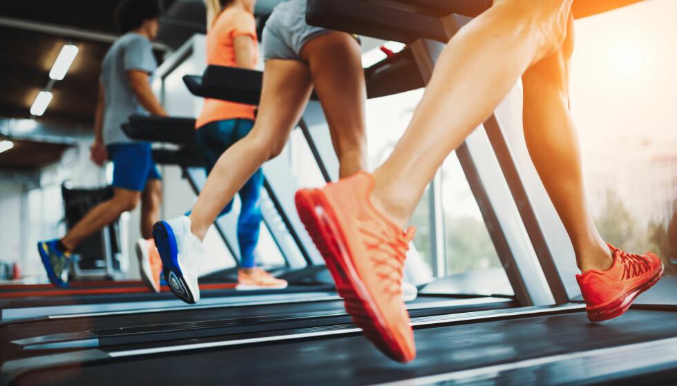LØPING: Ifølge løpeeksperten vil ikke en økt på tredemølla gi samme effekt som en økt ute, og du bør derfor sette stigningen på 1.0 til 1.5 prosent. FOTO: NTB Scanpix