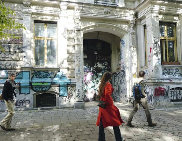 Mauerpark på Bernauer Straße. I den perioden byen var delt, var den en del av dødssonen mellom øst og vest, men siden 1990-tallet har den vært en park for folket
