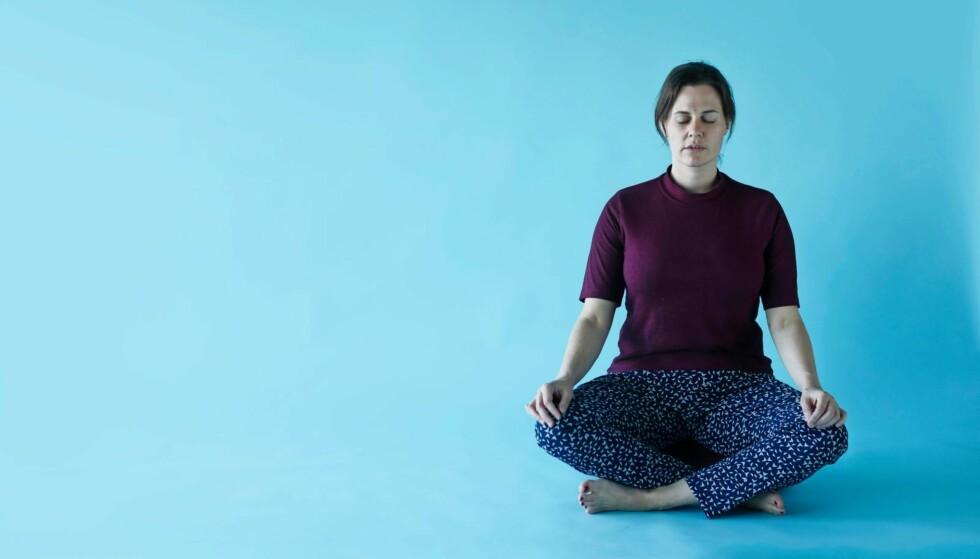 – Det gikk opp for meg at ting ikke først og fremst eksisterer når jeg har delt dem med andre, skriver Jule Rosendahl. Etter å ha vært ti dager på meditasjonskurs følte hun at hun var blitt introdusert for seg selv. FOTO: Bo Lynge