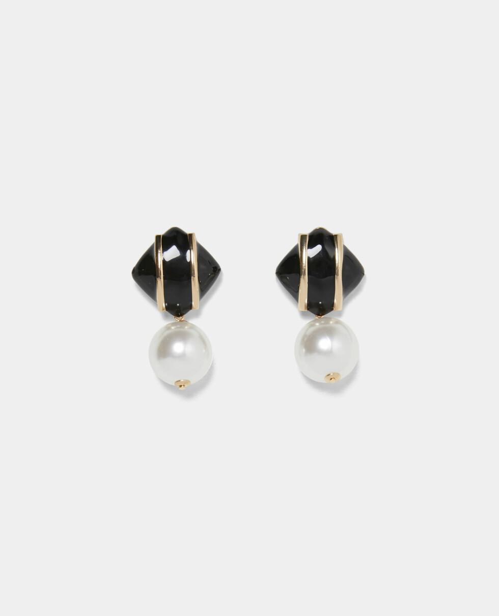 Med perler (kr 170, Zara).