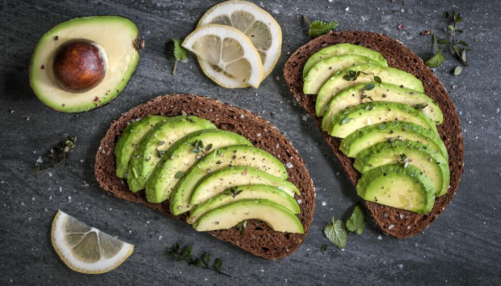 AVOKADO: Fettet i avokado er av det umettede slaget, noe som har en positiv effekt når det kommer til å unngå hjerte- og karsykdommer. FOTO: NTB Scanpix