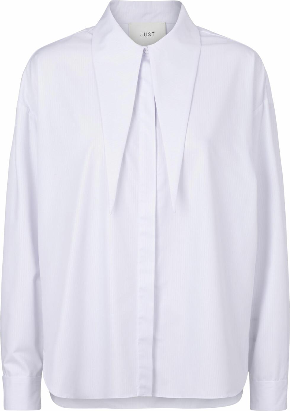 Hvit skjorte (kr 1200, Just Female).