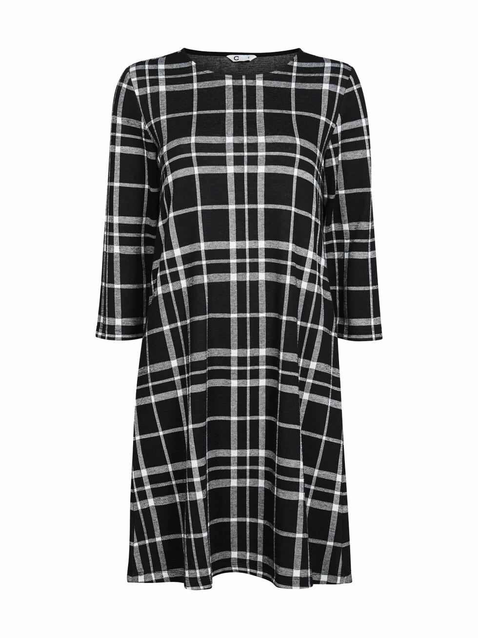 Rutete kjole (kr 300, Cubus).