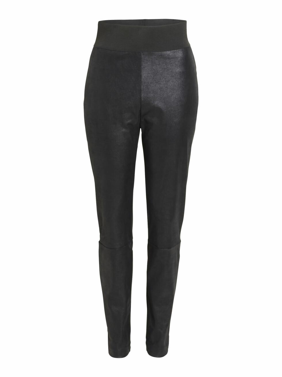 Bukse i imitert skinn (kr 250, Lindex).