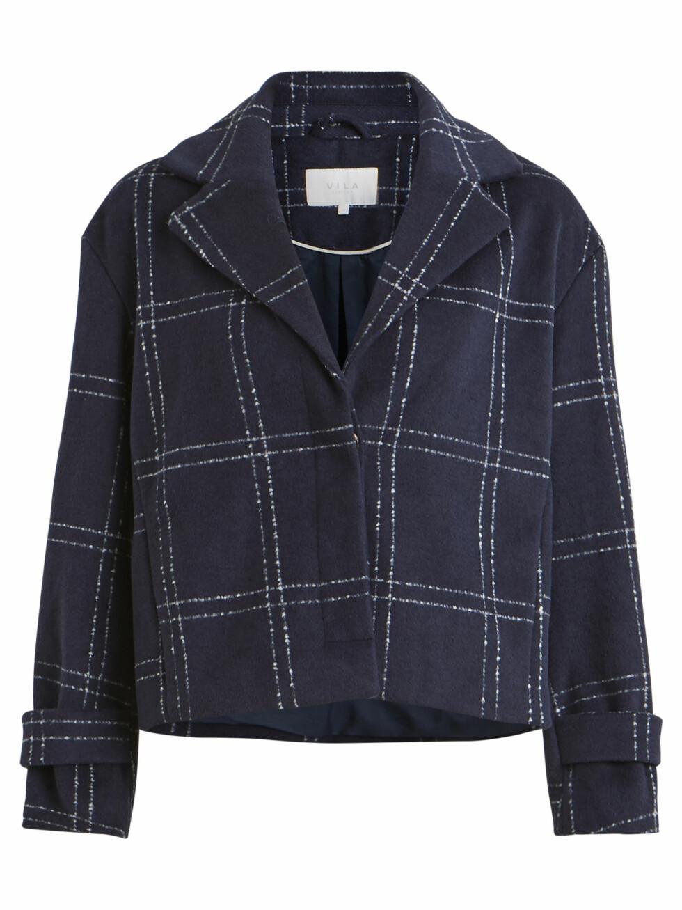 Rutete jakke (kr 750, Vila).