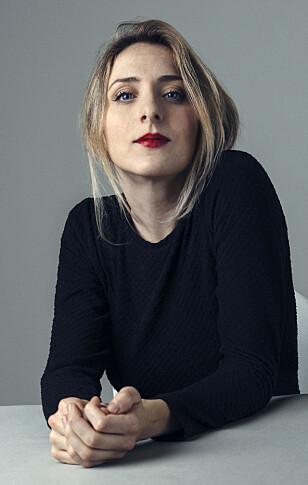 STOLT LILLESØSTER: Skuespiller og komiker Kristin Grue sier til KK at hun aldri har følt på at hun var «lillesøsteren til han i rullestolen» da hun og storebroren Jan vokste opp. FOTO: Anne Valeur