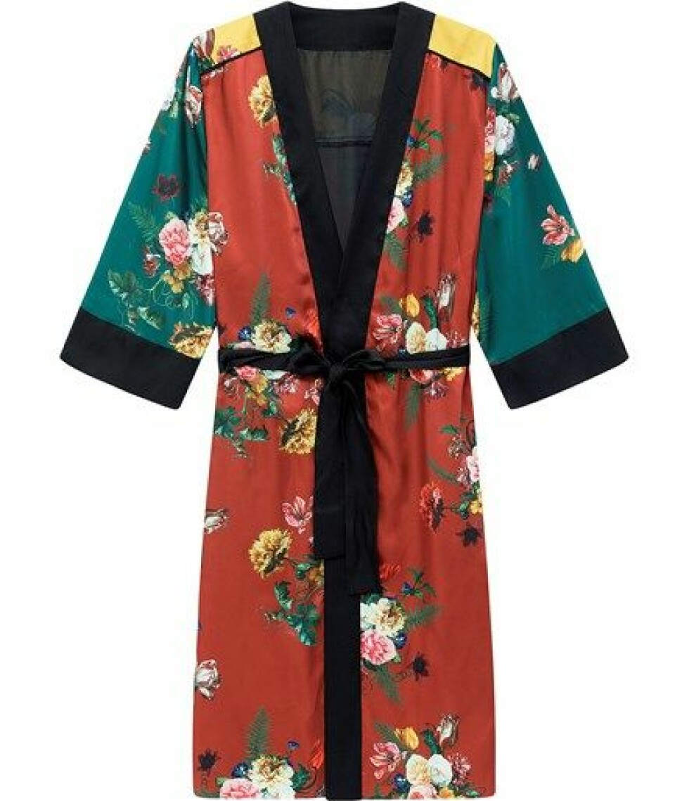 Kimono fra Kappahl |500,-| https://www.kappahl.com/nn-no/dame/kimono/blomstrete-kimono/528729