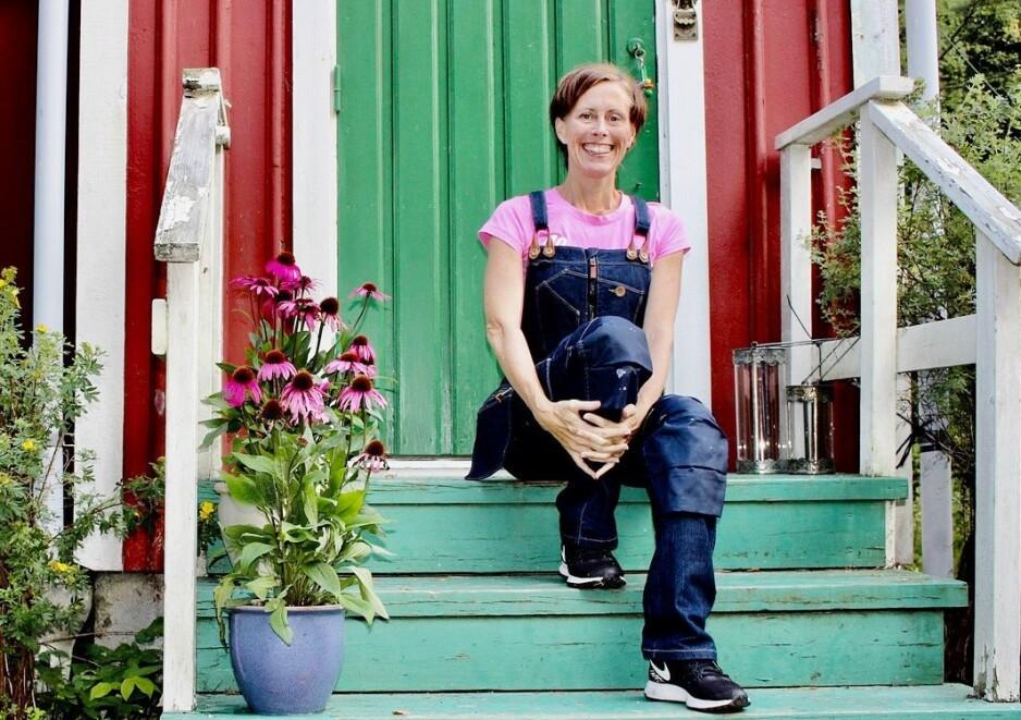 <strong>DOWNSHIFTING:</strong> Svenske Marie ønsket seg mindre jobb og en høyere livskvalitet, resultatet ble en liten «stuga» på landet. FOTO: Privat
