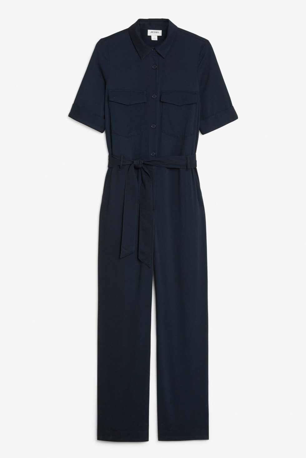 <strong>Jumpsuit fra Monki |350,-| https:</strong>//www.monki.com/en_sek/clothing/jumpsuits/product.tie-waist-jumpsuit-blue.0671548001.html