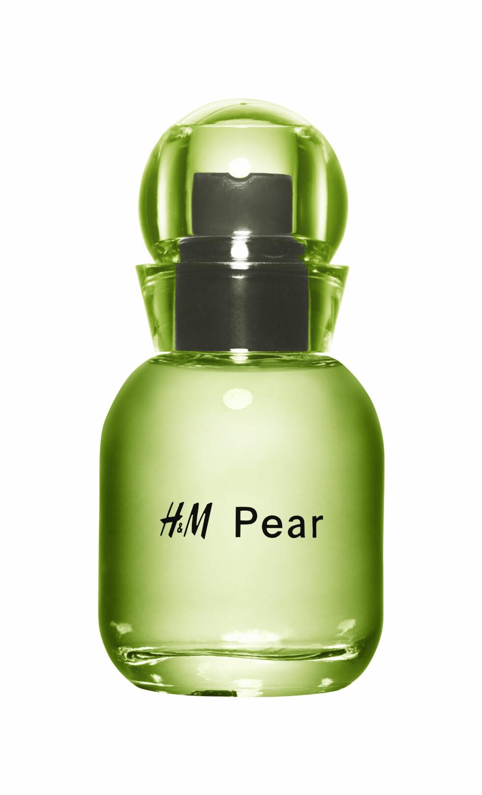 Tipset er å påføre duftene på ulike steder av kroppen. Hva med litt pære i nakken (kr 60, H&M, Pear)