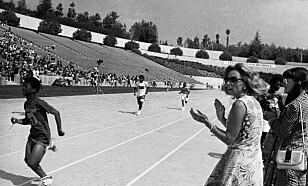 SPECIAL OLYMPICS: Ethel Kennedy, enken etter Robert Kennedy, heier under Special Olympics, for i 1972. Special Olymics er en verdensomspennende iderttsbevegelse for psykisk utviklingsdhemmede og ble grunnlagt av Rosemarys søster Eunice i 1968.