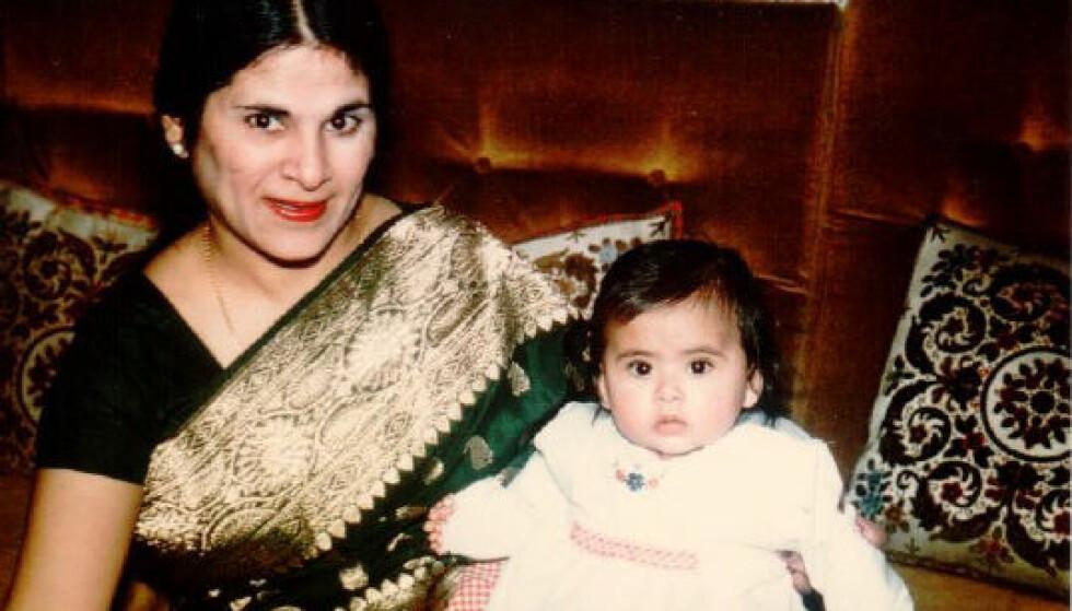 MORSKJÆRLIGHET: Anita og moren Daya. Anita husker en mor som ble gradvis dårligere, og mer og mer hjelpetrengende, før hun til slutt døde av leddgikt, da Anita var 13 år.
