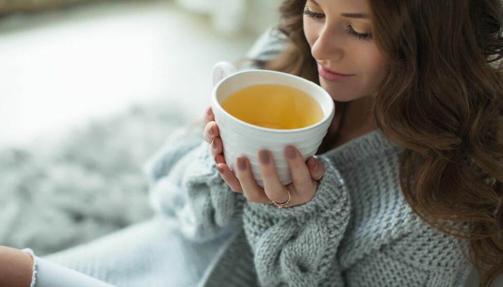 HONNING i TE: Foruten den søte og gode smaken har honning flere gode egenskaper. FOTO: NTB Scanpix