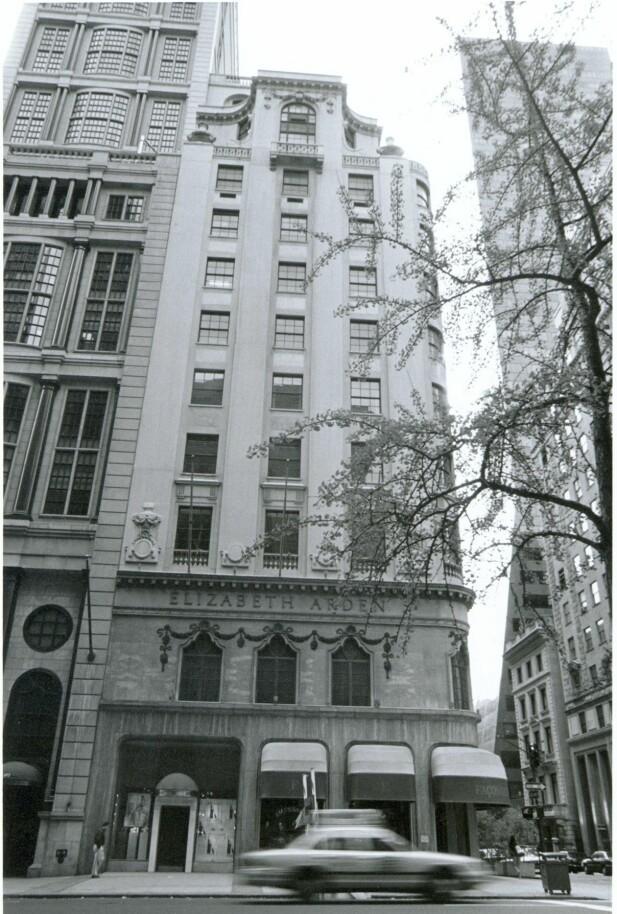 Elizabeth Arden har holdt til i denne bygningen på 5th Avenue i New York siden 1910. FOTO: Produsentene