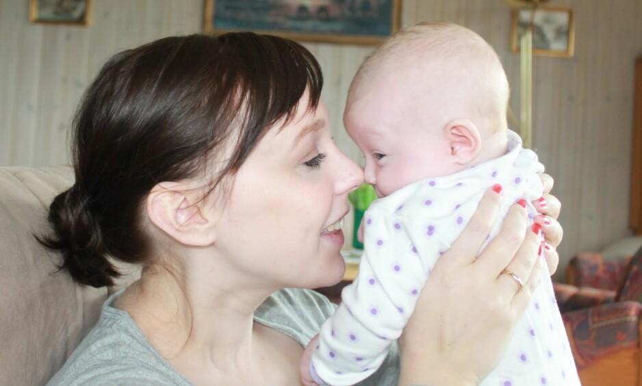FØDSELSDEPRESJON: - Ingen spurte meg om hvordan jeg hadde det, forteller Elin, som opplevde å få fødselsdepresjon to ganger. FOTO: Privat