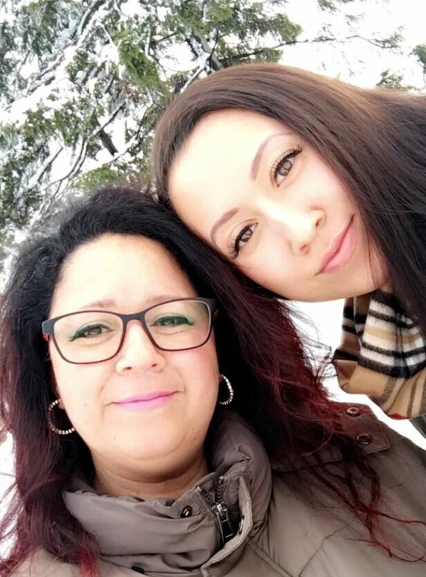 MOR OG DATTER: Moren til Shanice, Judith, forteller om den tøffe tiden da datteren ble diagfnostisert med kreft. FOTO: Privat