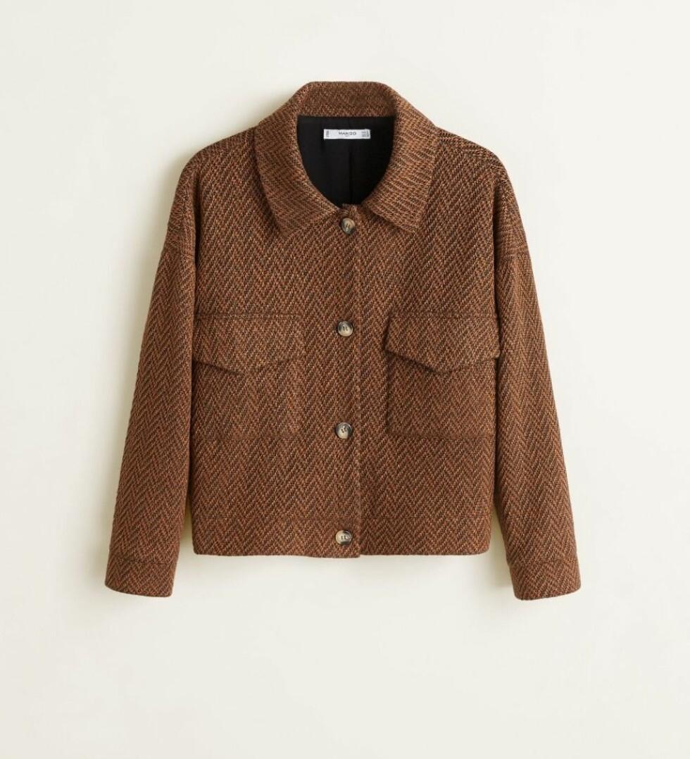 Jakke fra Mango |499,-| https://shop.mango.com/no-en/women/jackets-jackets/herringbone-pocket-jacket_33077033.html?c=30&n=1&s=nuevo