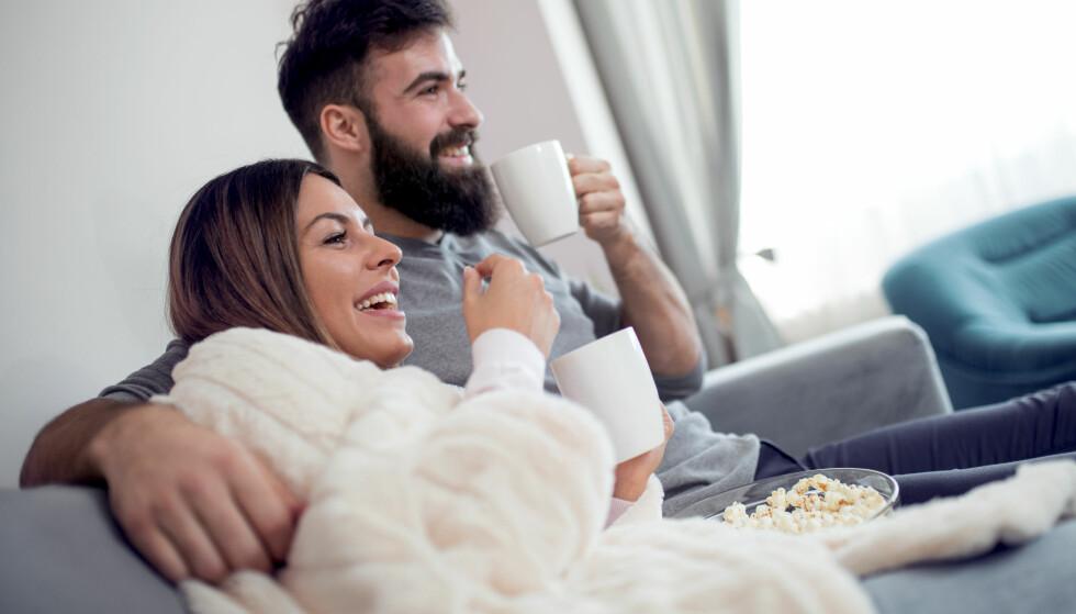 KJÆRLIGHETSSYK: Begrepet cuffing season refererer til at mange – og gjerne de som vanligvis liker å være single – går inn i kortvarige forhold når kulda kommer. FOTO: Scanpix
