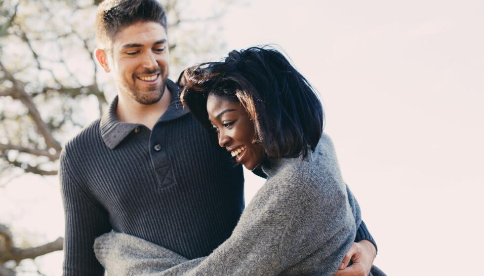 SESONGBASERT: Cuffing season er et datingfenomen som eksklusivt tilhører høst- og vintermånedene. FOTO: Scanpix