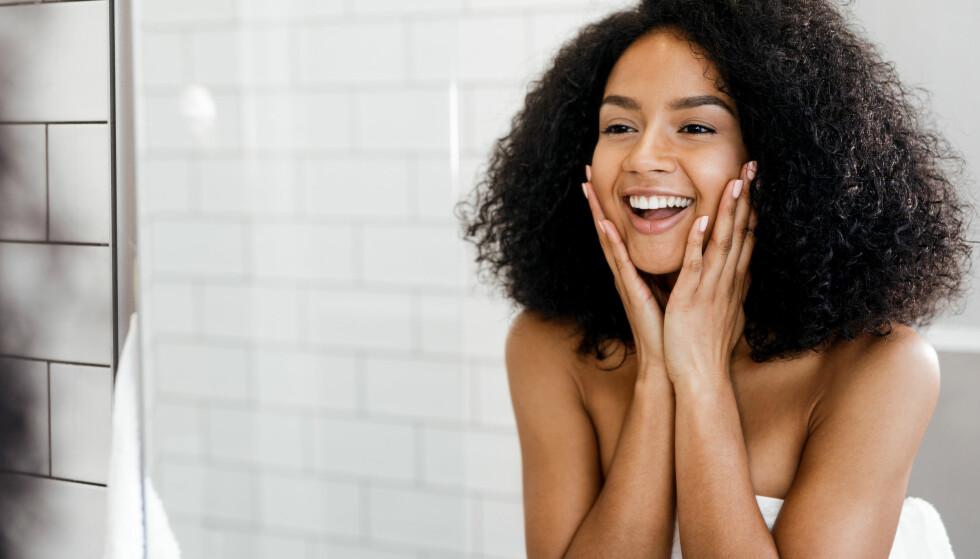 STORFAVORITT: Det dukker stadig opp nye trender innenfor skjønnhet og velvære. Nå for tiden er hyaluronsyre hudpleiens storfavoritt og «it»-ingrediens – men hva er det egentlig? FOTO: NTB Scanpix