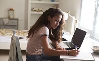 Slik hjelper du tenåringen din gjennom den kaotiske ungdomstiden