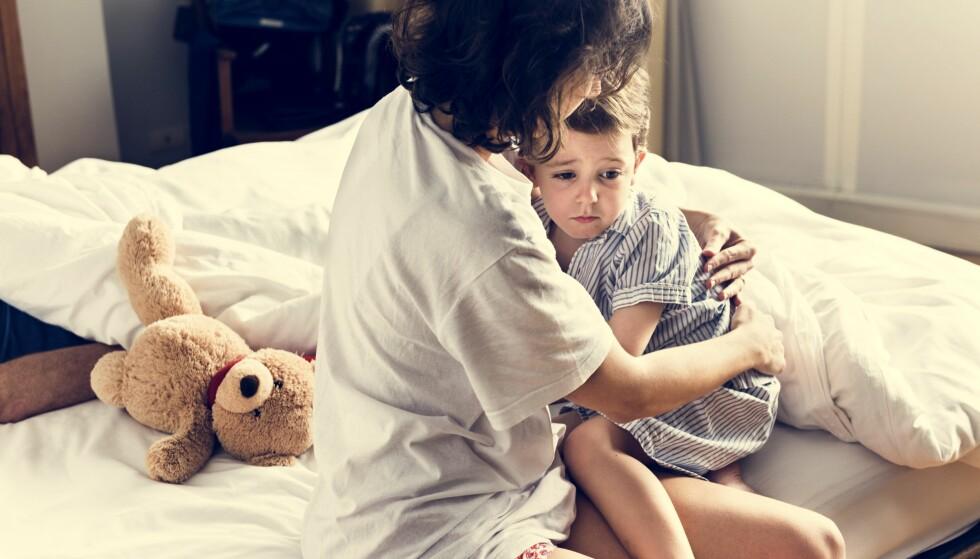 BARN SOM SER OG HØRER TING: Enkelte barn kan fortelle skumle historier som er skremmende detaljrike, men kan det ha en naturlig årsak? FOTO: NTB