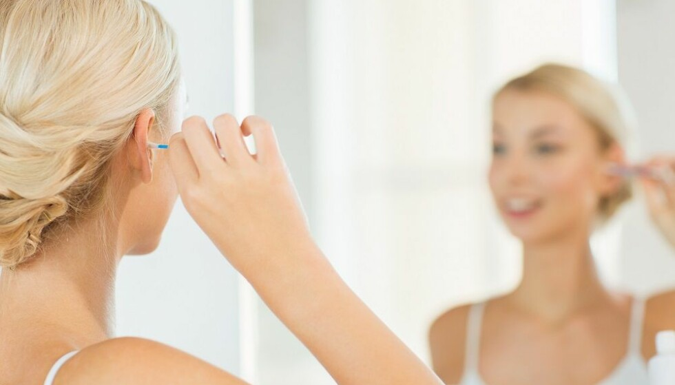 UNNGÅ Q-TIPS: Hvid du bruker q-tips ofte kan det i verste fall skade ørene dine. FOTO: NTB Scanpix