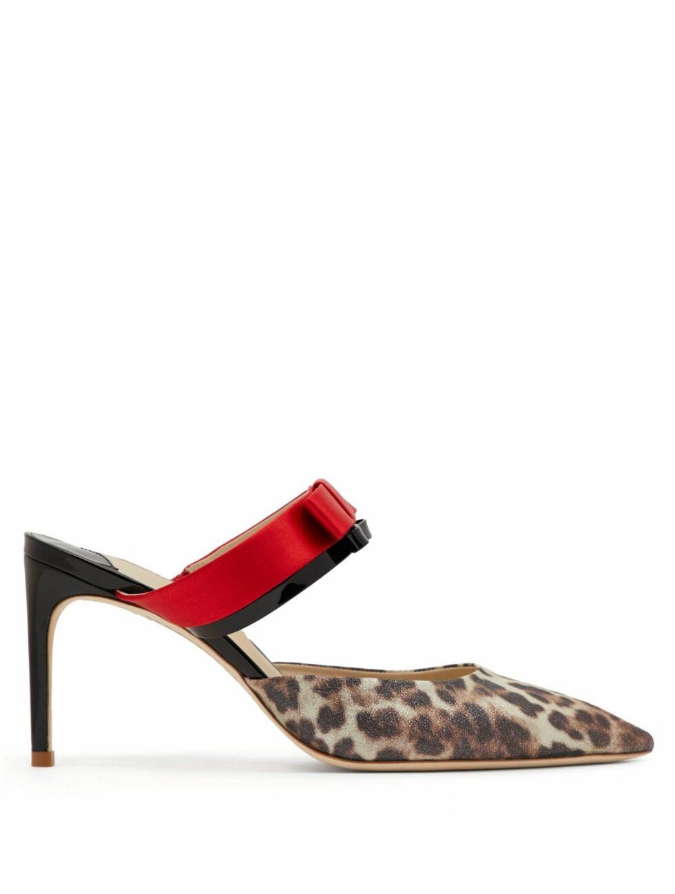Sko fra Sophia Webster |3345,-| https://www.matchesfashion.com/intl/products/Sophia-Webster-Andie-bow-trim-leopard-print-lurex-mules-1237257