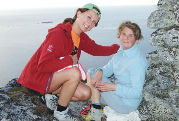 NATURGLADE SØSTRE: Både Kristin (t.v.) og Ingrid var glade i naturen, og begge benyttet anledningen til å gå i fjellet når de hadde mulighet. Helst sammen. FOTO: Privat